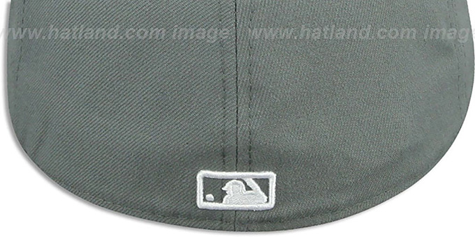 Yankees 'TEAM-BASIC' Storm Grey-White Fitted Hat by New Era
