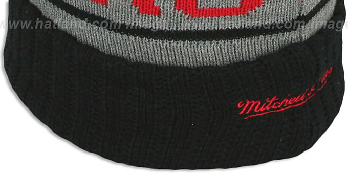 Blackhawks 'HIGH-5 CIRCLE BEANIE' Grey-Black by Mitchell and Ness