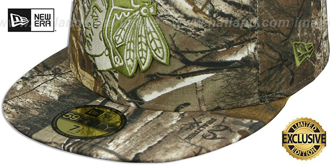 Blackhawks 'NHL TEAM-BASIC' Realtree Camo Fitted Hat by New Era