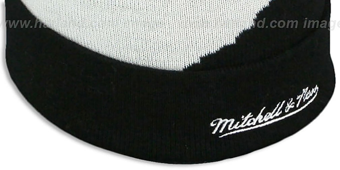 Bruins 'PAINTBRUSH BEANIE' by Mitchell and Ness