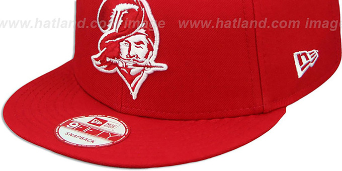 Buccaneers 'THROWBACK TEAM-BASIC SNAPBACK' Red-White Hat by New Era