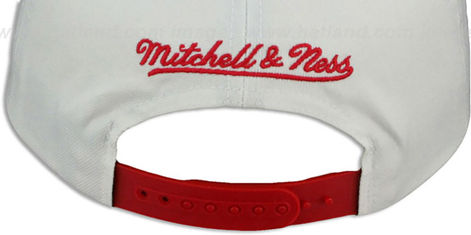 Bulls 'HOMESTAND SNAPBACK' White-Red Hat by Mitchell and Ness