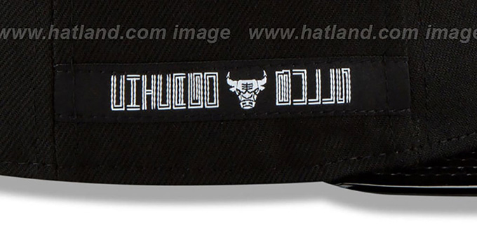 Bulls 'RETRO-HOOK' Black-White Fitted Hat by New Era