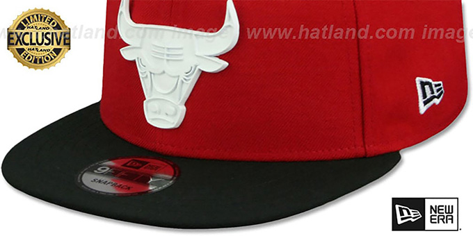 Bulls 'WHITE METAL-BADGE' SNAPBACK Red-Black Hat by New Era