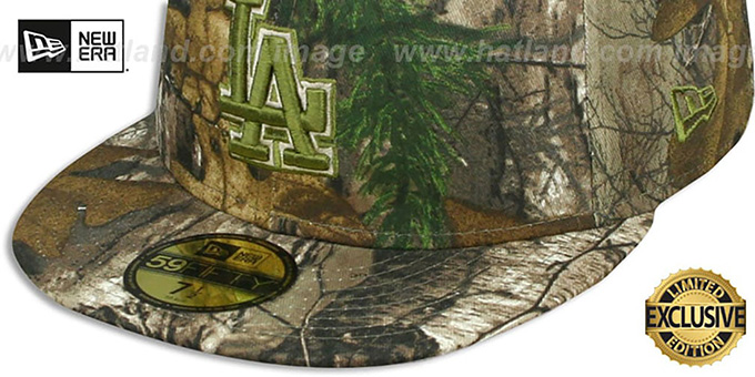 672458bc384 ... Dodgers  MLB TEAM-BASIC  Realtree Camo Fitted Hat by New Era