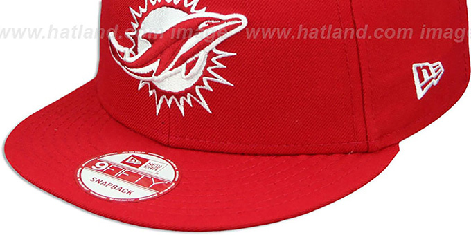 Dolphins 'TEAM-BASIC SNAPBACK' Red-White Hat by New Era
