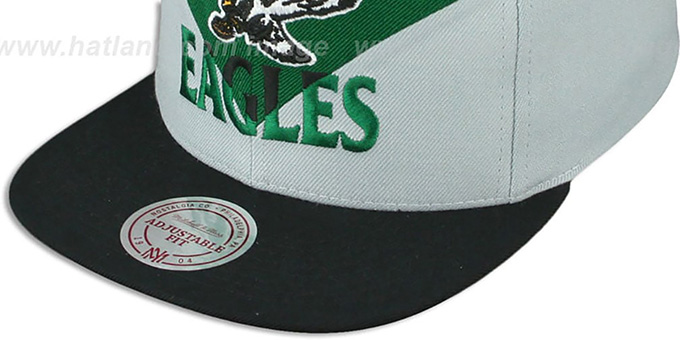 Eagles 'AMPLIFY DIAMOND SNAPBACK' Green-Grey Hat by Mitchell and Ness