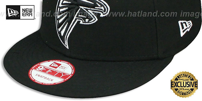 Falcons 'TEAM-BASIC SNAPBACK' Black-White Hat by New Era