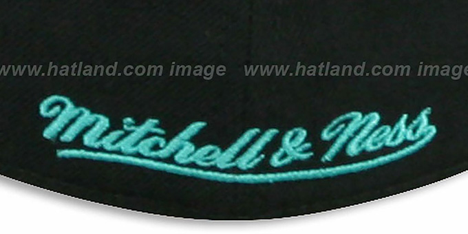 Grizzlies 'CLASSIC-SCRIPT' Black Fitted Hat by Mitchell & Ness