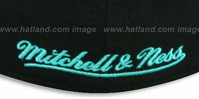 Spurs 'CLASSIC-SCRIPT' Black Fitted Hat by Mitchell & Ness
