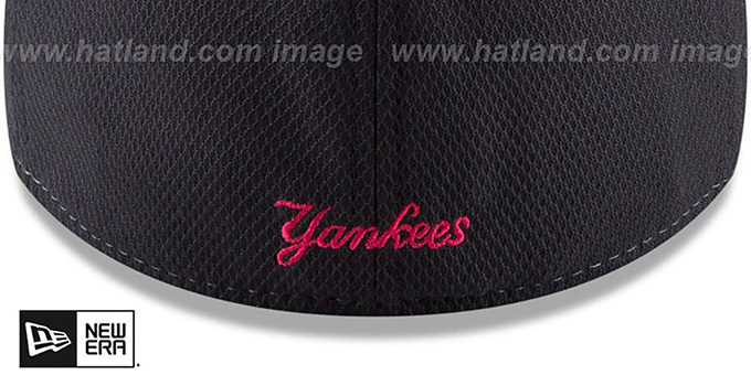 745d657f14ca89 ... Yankees  2018 MOTHERS DAY FLEX  Pink-Navy Hat by New Era