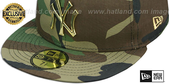 ... Yankees  GOLD METAL-BADGE  Army Camo Fitted Hat by New Era ddc79f4359c